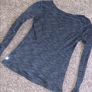 Lululemon athletica long sleeve v-neck shirt